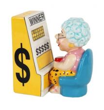 Casino Slots Machine Queen Grandma Salt And Pepper Shakers #198