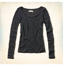 Brooks Beach Drapey Knit Slim T-Shirt Hollister